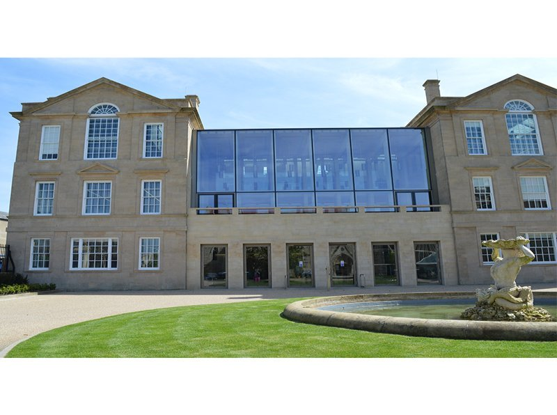 Oxford University outpatients building Grade 2 Listed with new annex