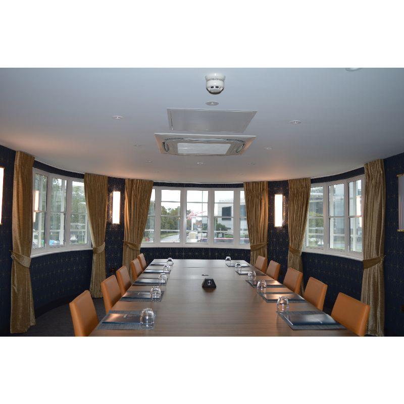 Comet Hotel meeting room with noise and thermal insulating secondary glazing