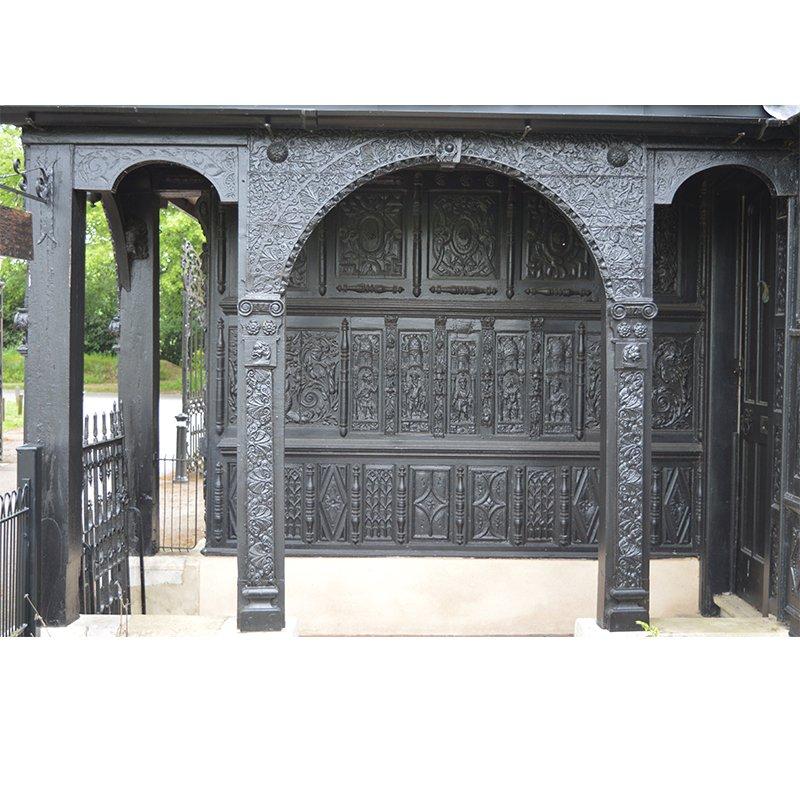External wood carving of an Entrance Lodge in Beaconsfield