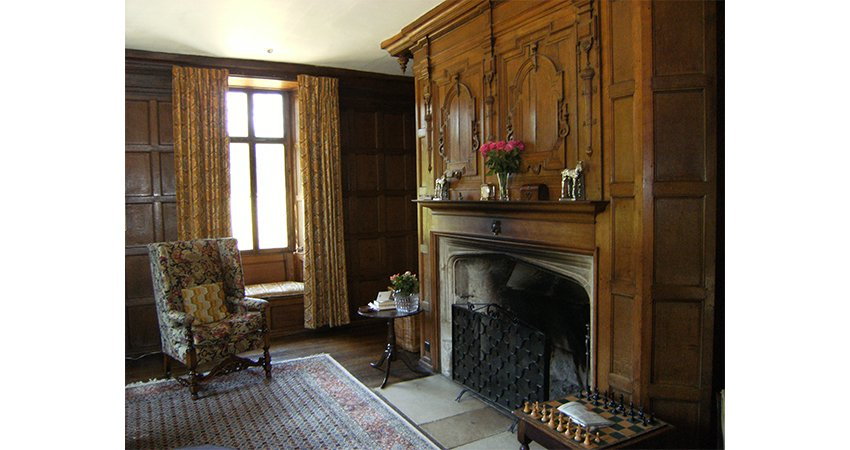 Tudor panelled rooms