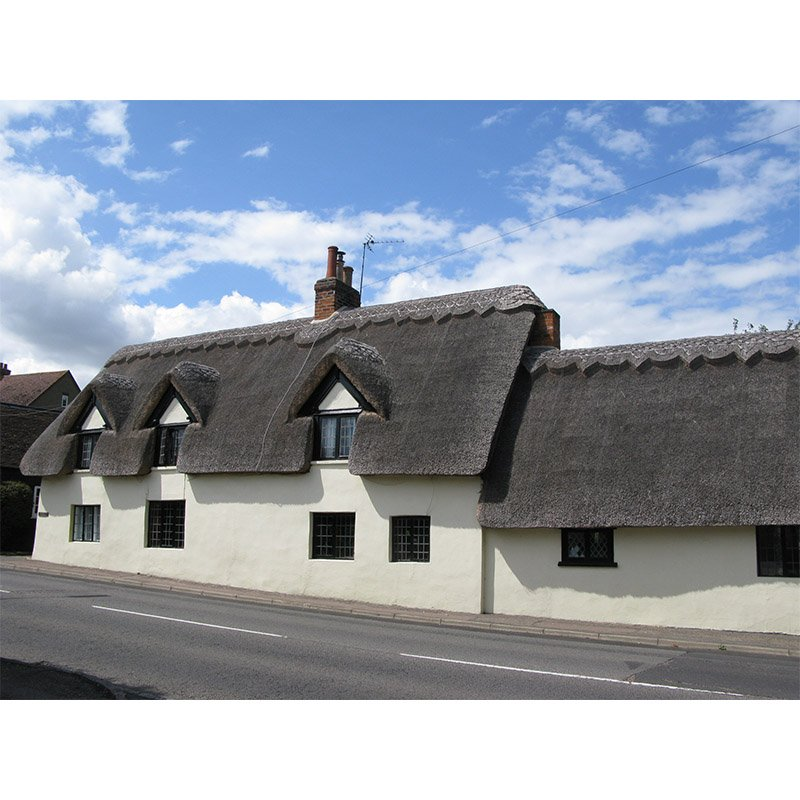 The Old Smithy is a beautiful thatched Listed building in Bedfordshire dating back to the mid 17th Century.