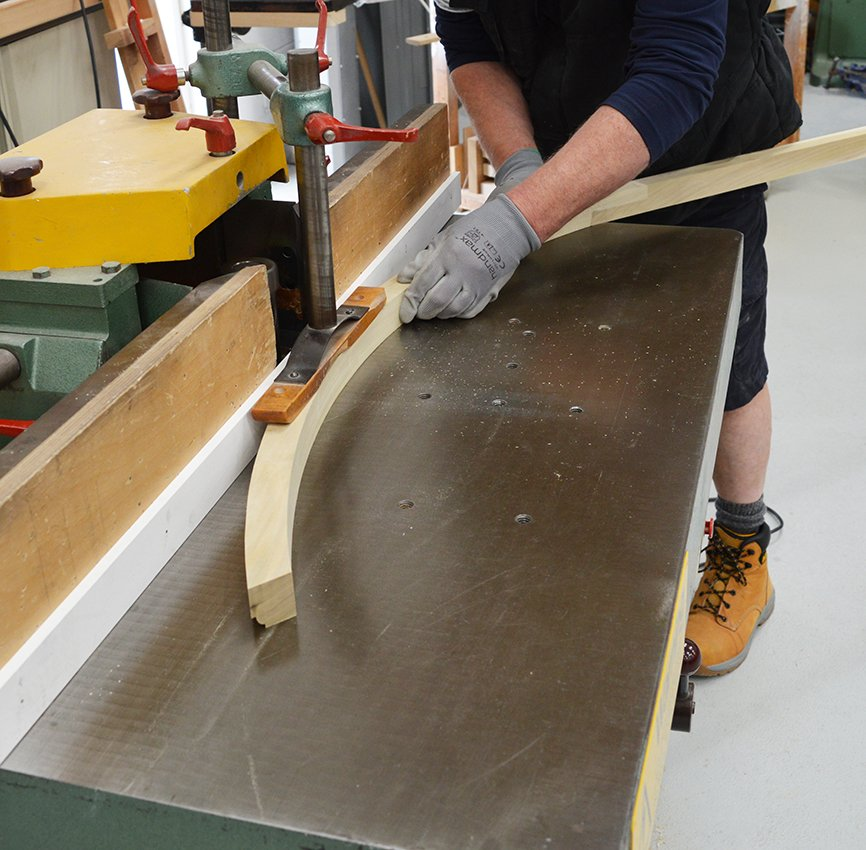 Cutting Ovolo moulding
