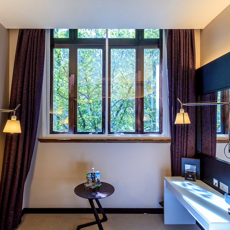 Grade II * Listed Royal College of General Practitioners Hotel Room with Selectglaze acoustic secondary glazing